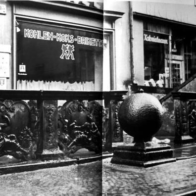 przedproże na ul. Piwnej 15 w 1940 r., [za]: Był sobie Gdańsk, cz. 4, s. 34-35.
