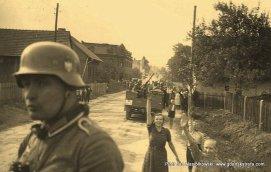 Powitanie żołnierzy Wehrmachtu przez mniejszość niemiecką w Polsce