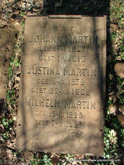 Zapomniany grób niemieckiego osadników w Młodocinie