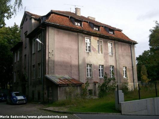 Jeden z dawnych budynków