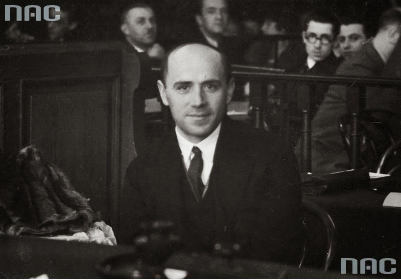 Ogrodnik Józef Kamiński, zeznający podczas procesu.