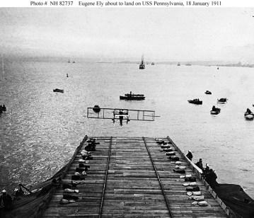 Moment lądowania Eugene Ely na USS Pennsylvania.