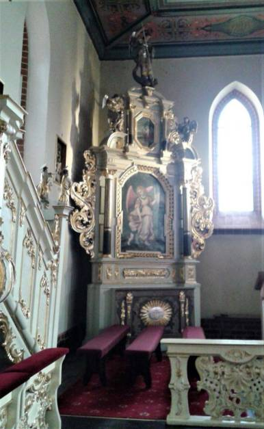 Ołtarz Aniołów Stróżów i balaski