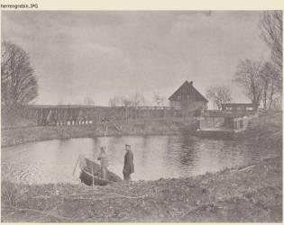Akwedukt drewniany i przelew do Motławy w Grabinach Zameczku.