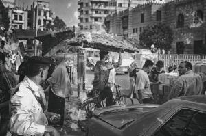 Okolice Chan al-Chalili suk Kair, transport pieczywa