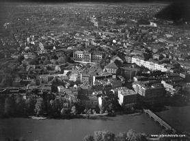 Lotnicze zdjęcie z widokiem na Knipawę.
