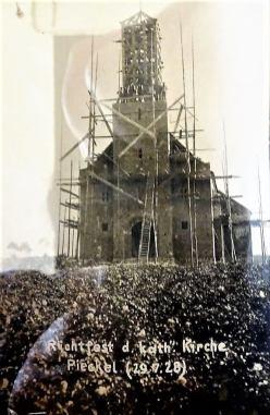 Ceremonia zawieszenia wiechy