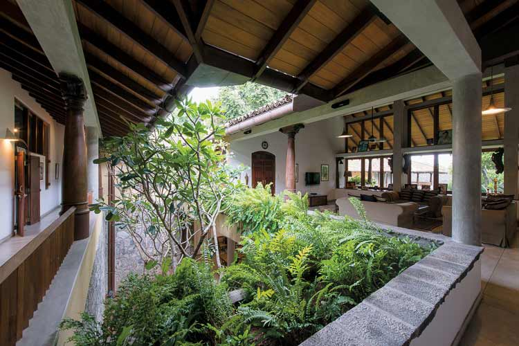 New sri lanka house designs legacy of geoffrey bawa for Home landscape design sri lanka