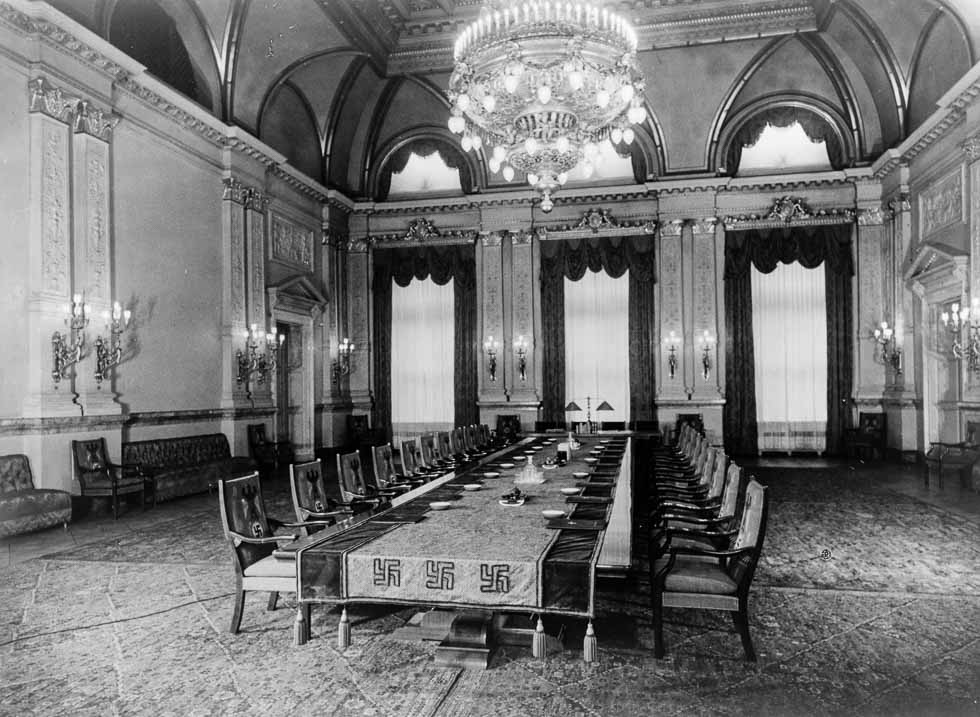 Heinrich Hoffmann, photograph of the Cabinet Room (formerly the Congress Hall) on the second floor of the Old Chancellery in Berlin after the renovation by the Atelier Troost, c. 1934