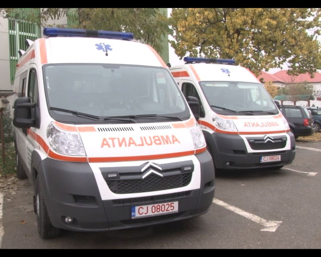 Coadă de ambulanțe cu pacienți Covid la Iași