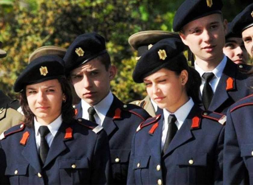 """ISU """"Drobeta"""" recrutează şi fete pentru Şcoala de Subofiţeri de Pompieri şi Protecţie Civilă"""