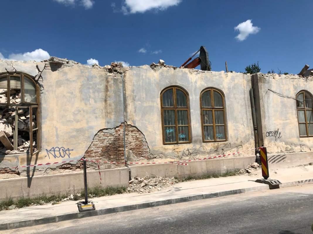 Clădirea fostului Liceu Sanitar a fost demolată ilegal