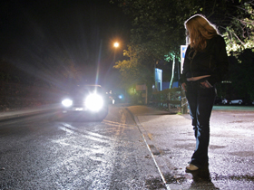 Fată în vârstă de 15 ani reclamă că a fost obligată să se prostitueze