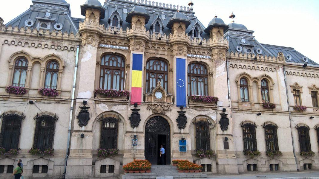 Restricții de circulație în centrul Craiovei. Se reabilitează Primăria