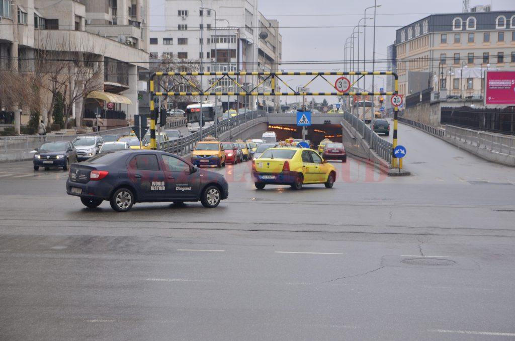 Intersecția Arieș cu Calea București va fi reconfigurată. Primăria Craiova oferă premii în bani pentru cei care vin cu cea mai bună soluție.Intersecția Arieș cu Calea București va fi reconfigurată. Primăria Craiova oferă premii în bani pentru cei care vin cu cea mai bună soluție.