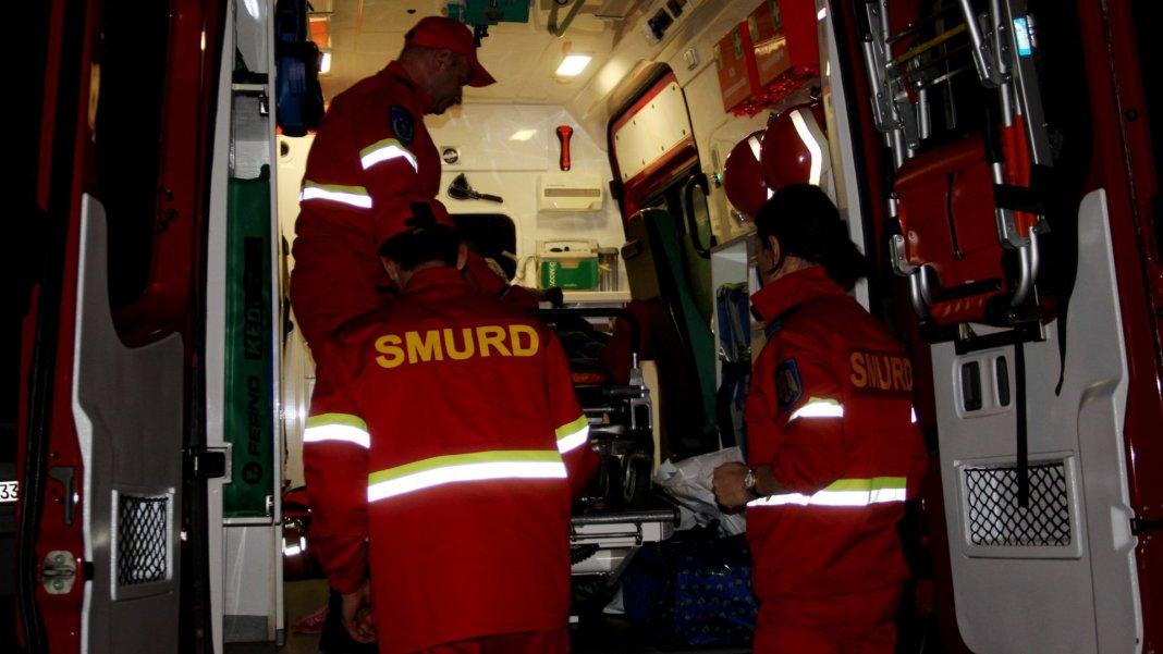 Femeia accidentată în Râureni a fost transportată la spital