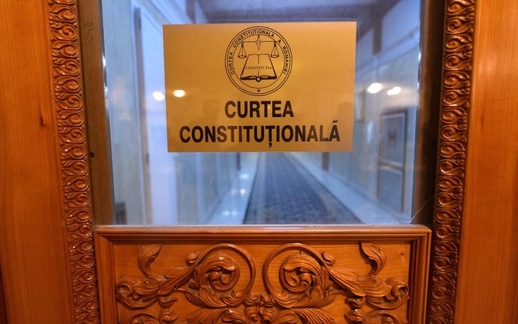 Legea care scapă evazioniştii de închisoare, în dezbaterea CCR