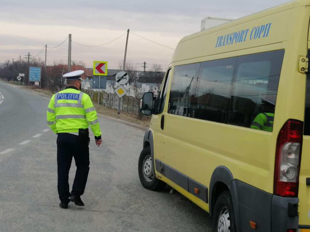 Galerie foto: Poliția a verificat transportul elevilor