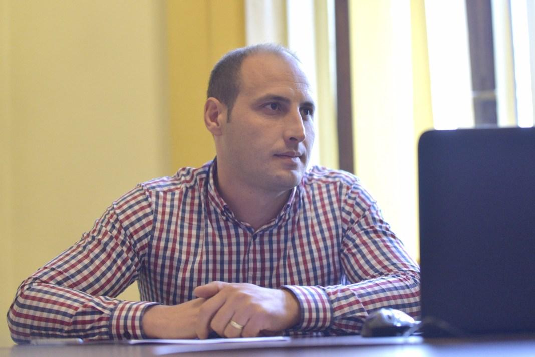 Pieţe şi Târguri SRL, societatea deţinută de Primăria Craiova, va fi condusă şi în următorii patru ani de către Alin Mărăcine