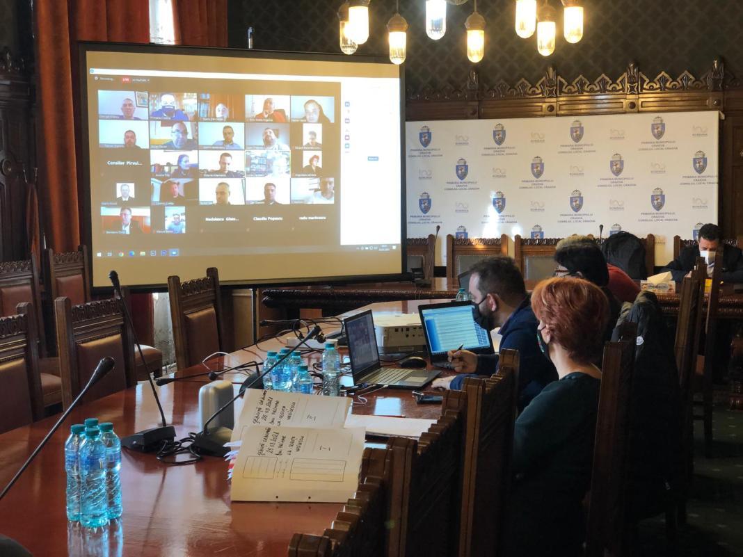 Ședința ordinară de joi a Consiliului Local Craiova s-a desfășurat în sistem online, dar asta nu a împiedicat discuțiile în contradictoriu, acuzele și momentele de circ politic