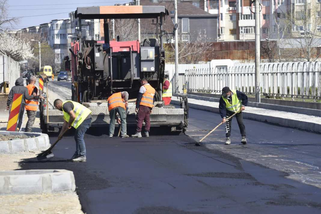 Pentru repararea străzilor din Craiova au fost efectuate în acest an plăţi de 6.549.388 de lei
