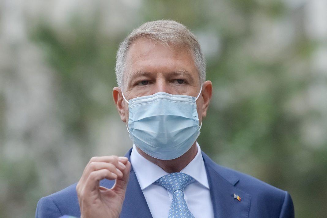"""Klaus Iohannis: """"Avem arma cu care putem să terminăm pandemia, dar n-o folosim"""""""