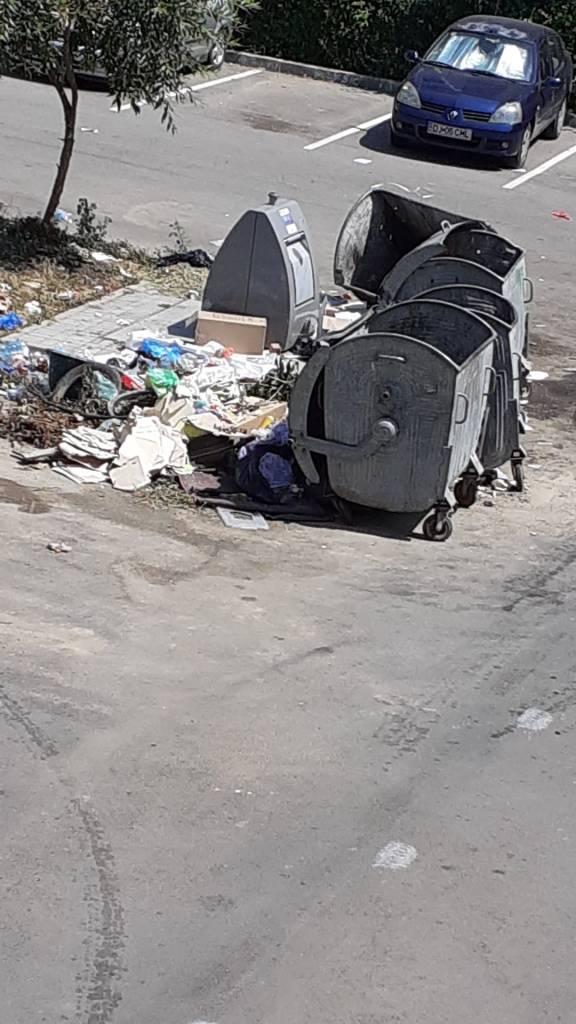 Craioveni amendați, pe baza facturilor aruncate la gunoi