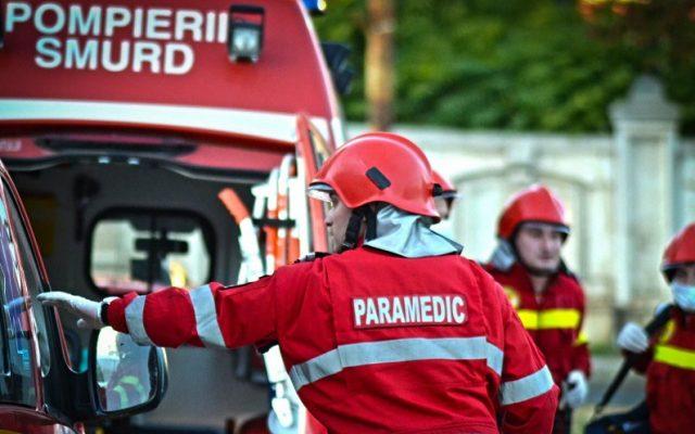 Accident grav între un microbuz și un autoturism, cu 15 victime