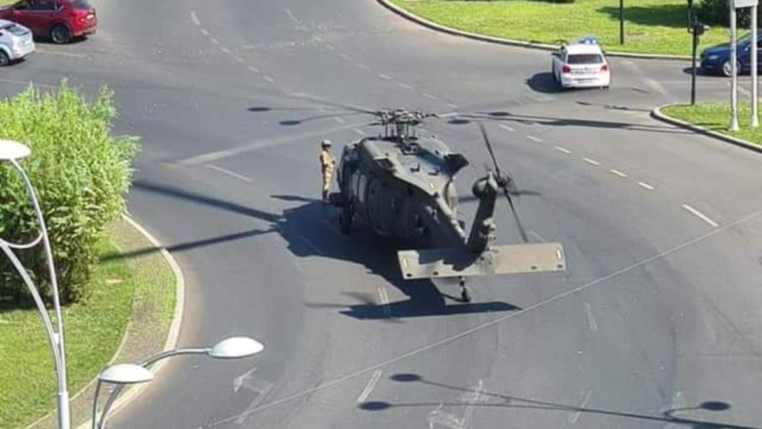 Din ce motiv a aterizat elicopterul Black Hawk în centrul Capitalei
