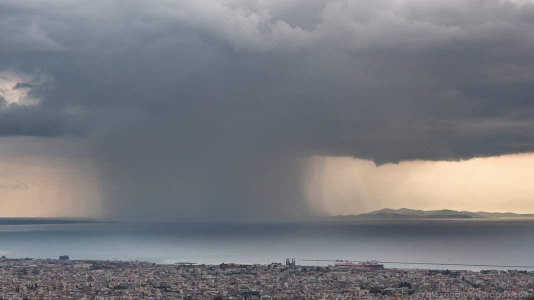 Atenție la călătoriile în Grecia! Furtuni puternice în centrul și nordul țării