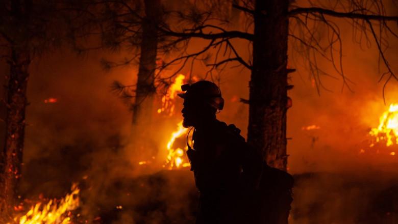 Vestul SUA continuă să fie devastat de incendii