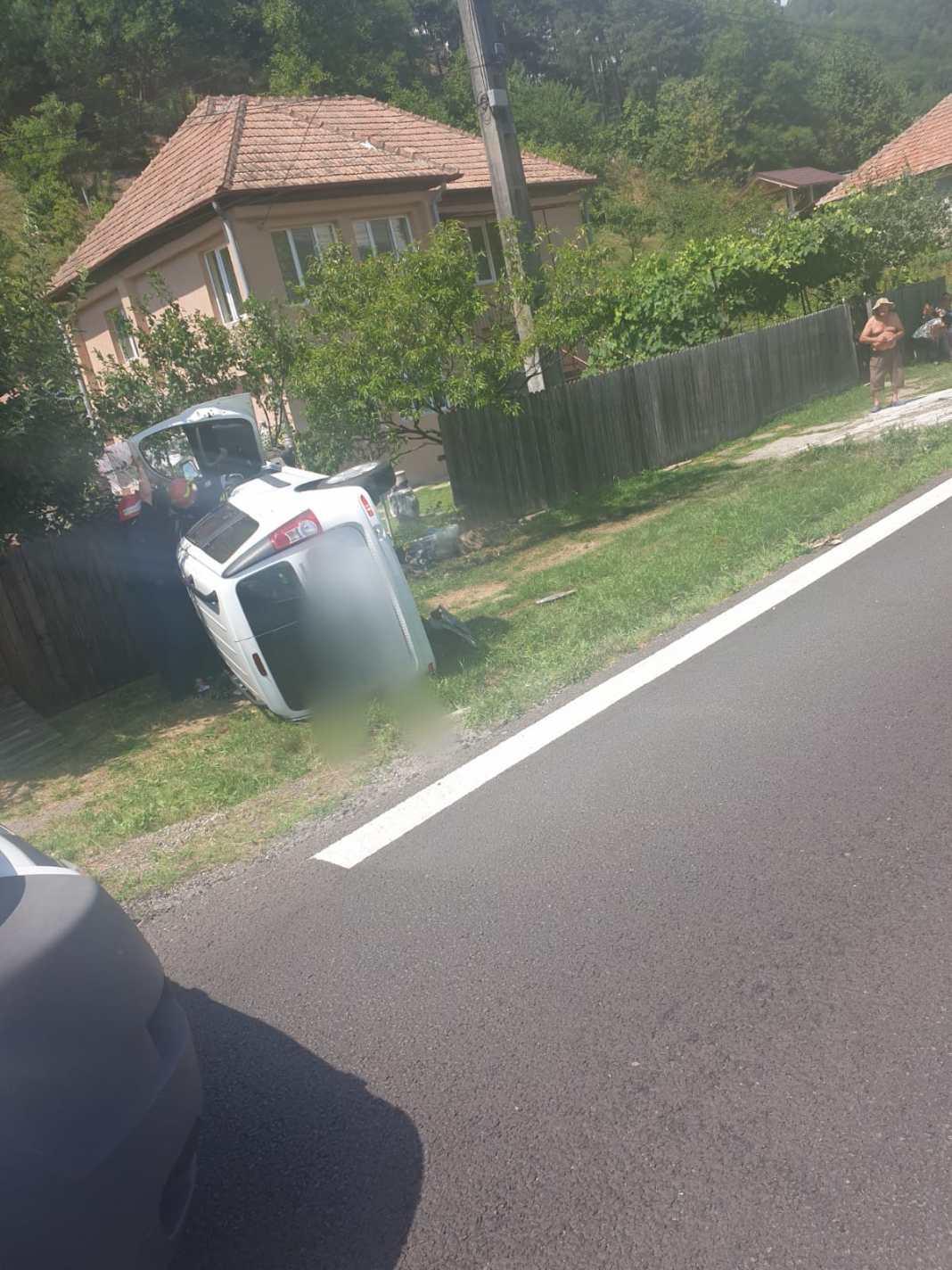 Șoferul a fost transportat la spital