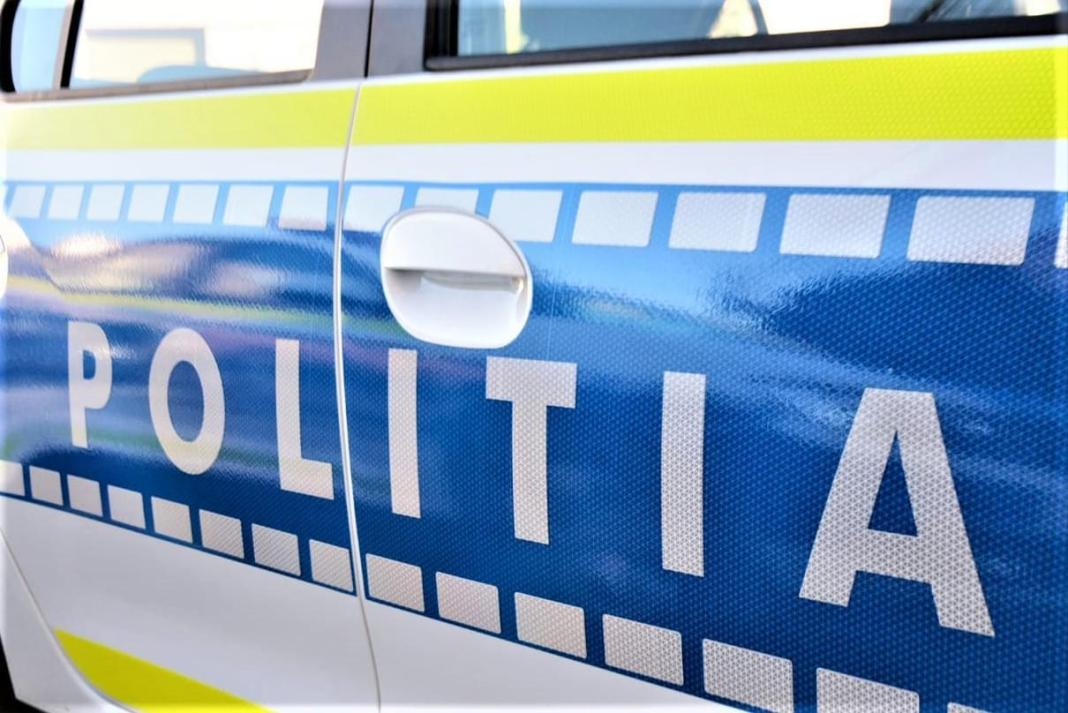 Focuri de armă pentru prinderea unui şofer care a refuzat să oprească la semnalul poliţiştilor