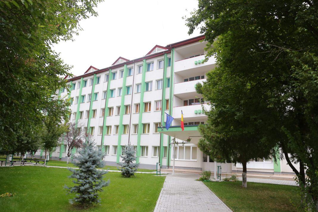 Cazarea în căminele Universităţii din Craiova, condiţionată de vaccin