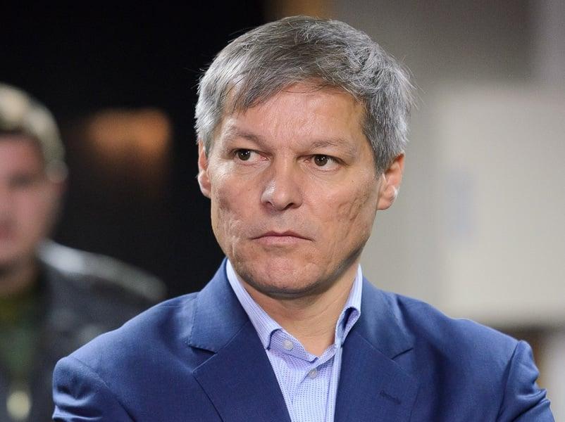 Dacian Cioloș a câștigat primul tur al alegerilor din USR PLUS