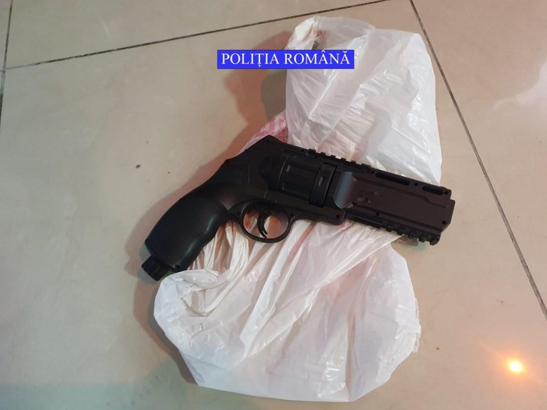 A fost găsit pistolul cu care olteanul a tras