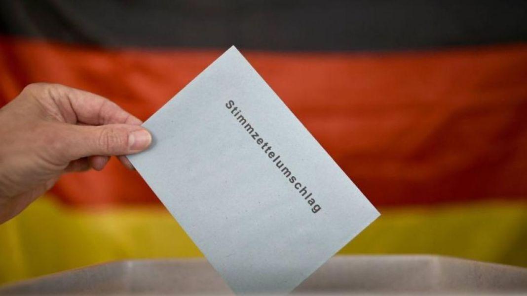 Germanii votează astăzi pentru a decide direcţia politică a celei mai mari economii europene