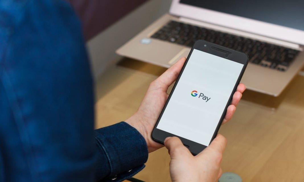 Românii pot face plăți cu telefonul şi prin aplicația Google Pay