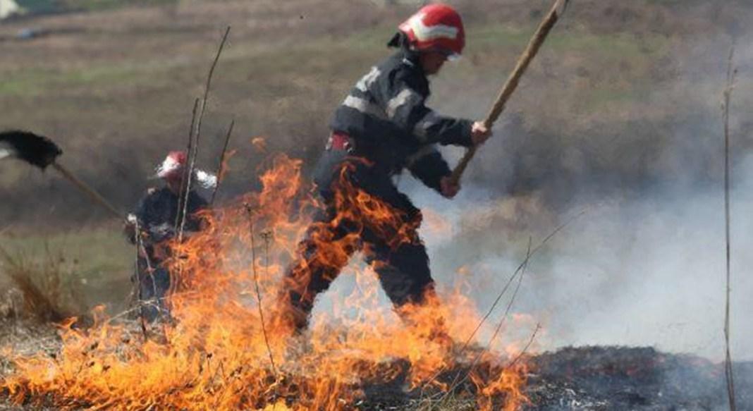 Bărbat amendat cu 10.000 de lei pentru un foc făcut în grădină care a scăpat de sub control