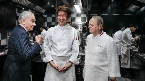 ENQUETE FRANCETV INFO. Insultes et harcèlement dans les cuisines de Joël Robuchon