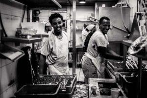 Hôtellerie: face à la pénurie de salariés, les professionnels veulent recruter du
