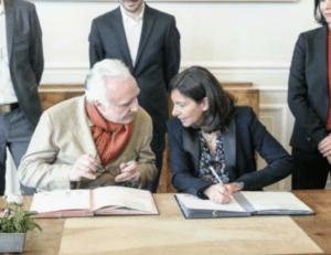"""LE CHEF ALAIN DUCASSE ET LA MAIRE DE PARIS ANNE HIDALGO SIGNENT UN """"PACTE POUR L'EMPLOI"""""""