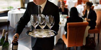 Hôtellerie-restauration: début des discussions salariales entre Borne et les partenaires sociaux