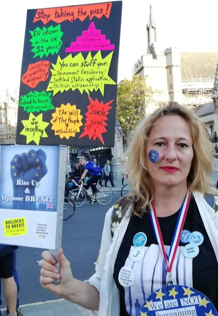 Laure Ollivier-Minns during a demonstration against Brexit, before leaving England. & Nbsp; (LAURE OLLIVIER-MINNS)
