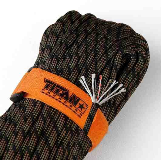 TITAN SurvivorCord Review - fishing line, copper wire, waxed jute, paracord all in one
