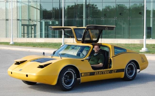 Nabil Hanke – Electric Dream Machine