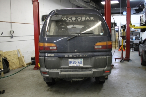 It will be a few years before we can get the Aerostar-looking delica Space Gear in the States.