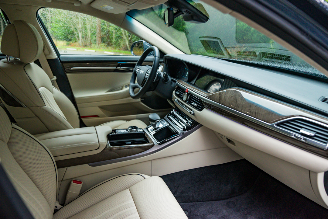 Genesis G90 front seats