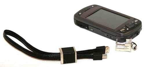 geardiary_wirelessground_usb_handstrap_03