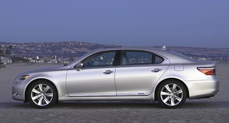 Lexus LS 600h L – Luxury hybrid or hybrid luxury?
